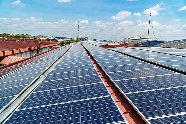 lắp đặt pin năng lượng mặt trời HCM